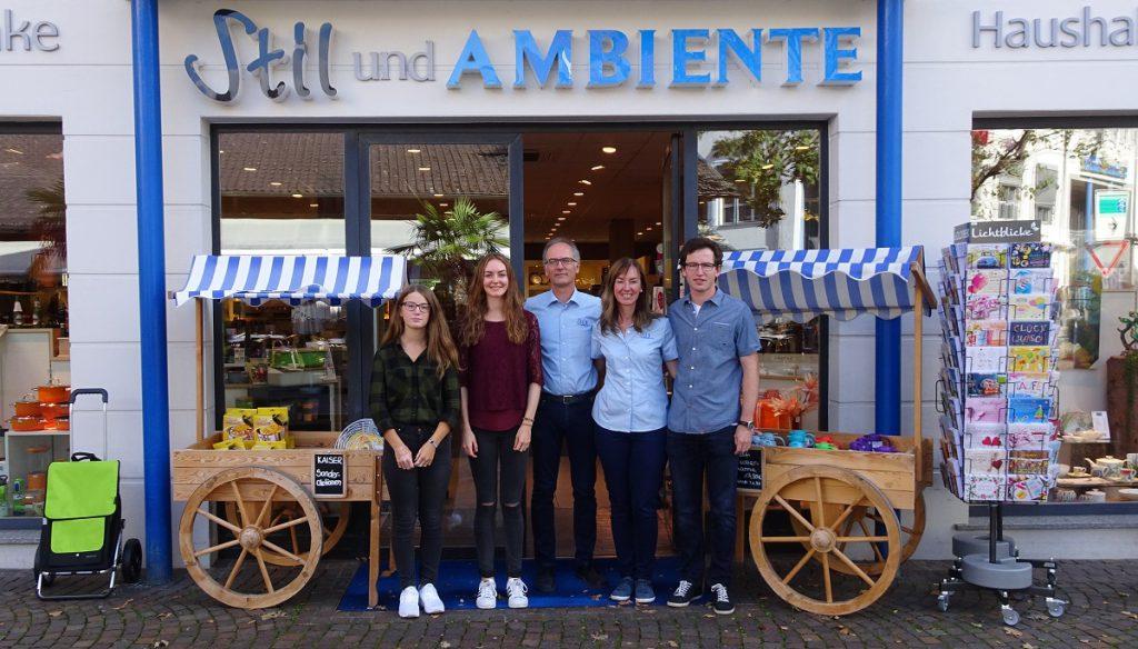 Gruppenfoto der Unternehmerfamilie